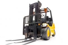targopress.com - yellow forklift truck shot on white background